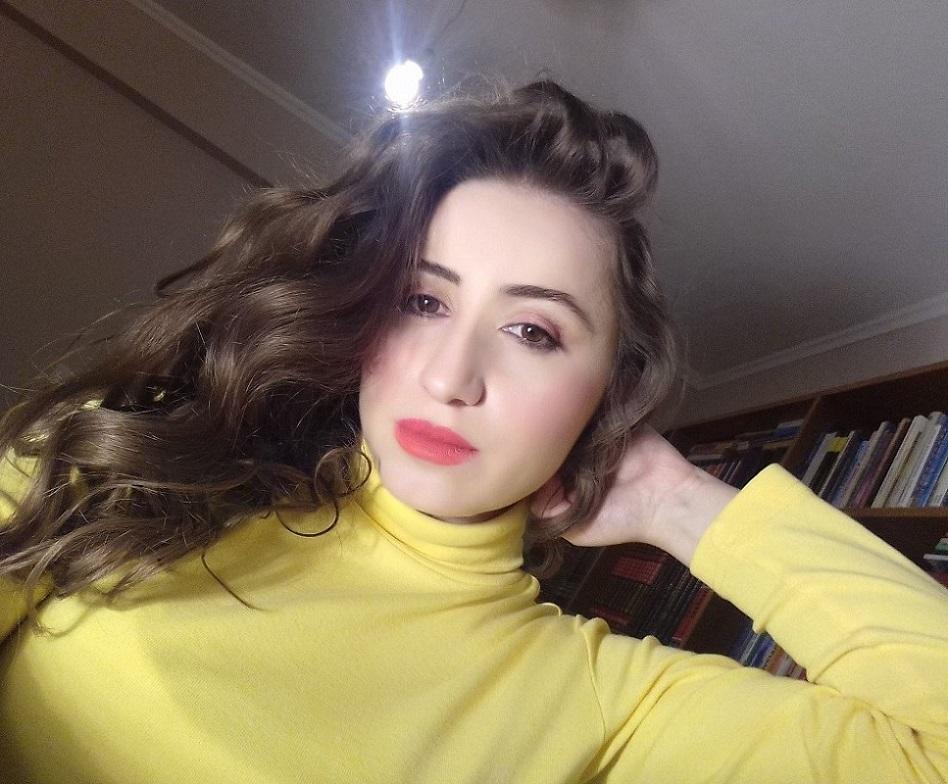 lorena_stroka_gazetare_2017_biografia_wikipedia_shkrimtare