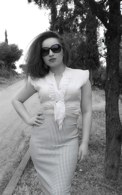 lorena_stroka_gazetare_foto_wikipedia_instagram_biography_kush_eshte_lorena_stroka_2017_facebook-books