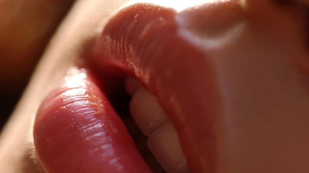 masturbimi-keshilla-nga-lorena-stroka-gazeta-albstroka-seksologji