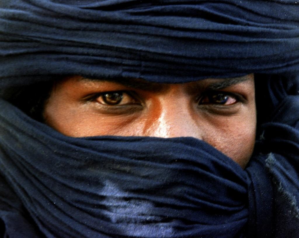 albstroka-blog-lorena-stroka-photo-biography-shkrim-mbi-jeten-e-tuaregeve