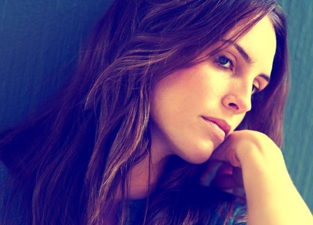 albstroka-blog-hormonet-femerore-cili-eshte-funksioni-i-tyre-shkrime-nga-lorena-stroka