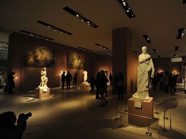 muzeume-te-famshem-shkrime-nga-lorena-stroka-facebook-wikipedia-gazetare-biografia-foto