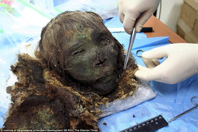 mumie-900=vjeçare-keshilla-nga-lorena-stroka-gazetare-foto-biografia-wikipedia-facebook-albstroka